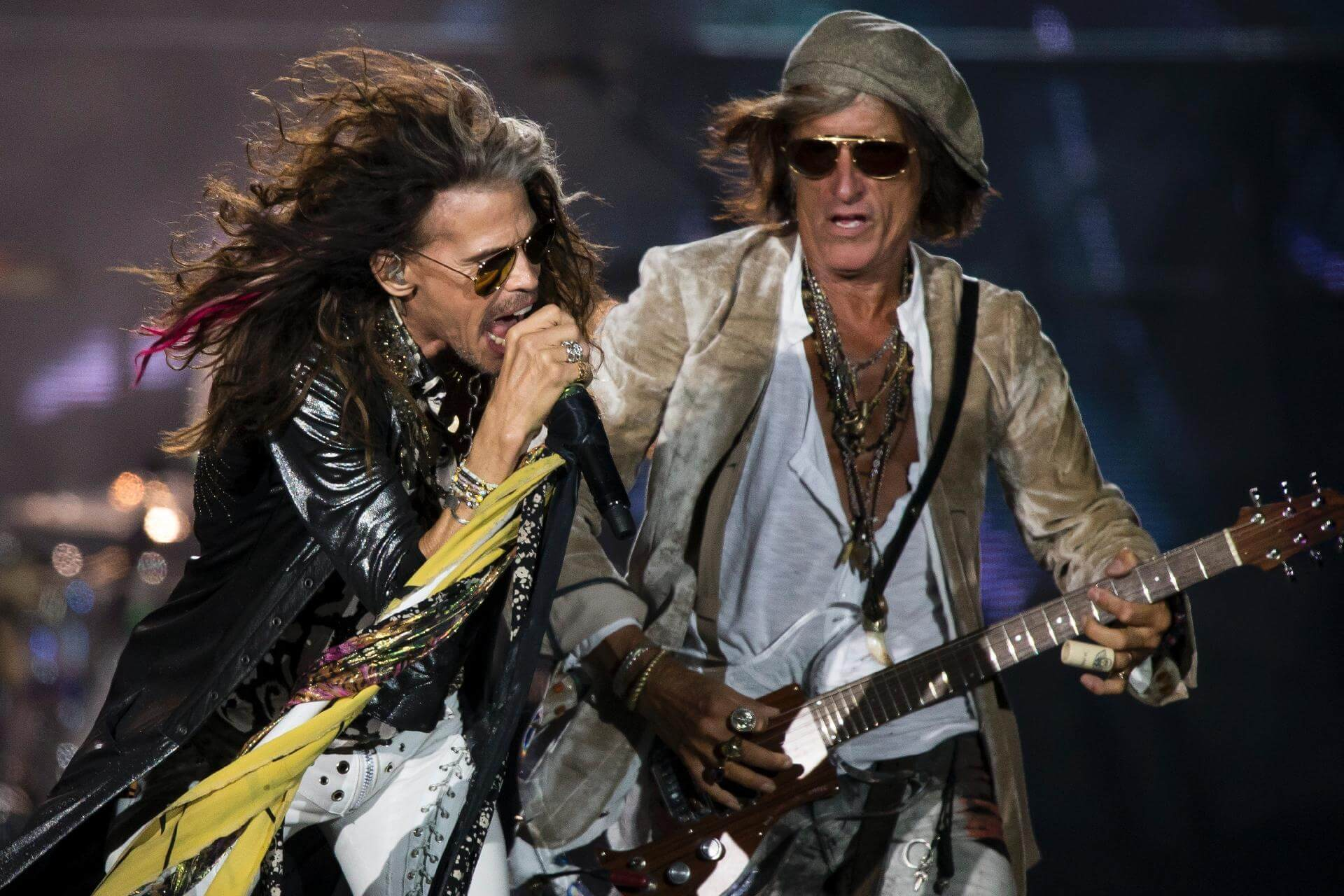 aerosmith cancels upcoming concerts due to steven tyler s health. Black Bedroom Furniture Sets. Home Design Ideas