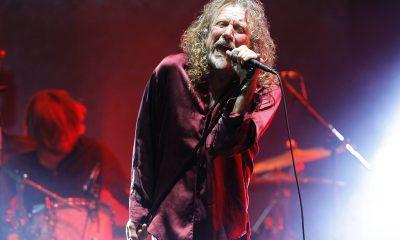 Robert Plant singing