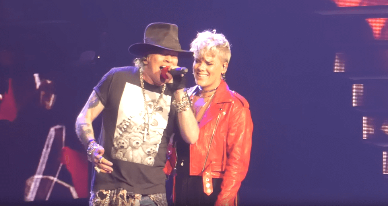 Pink Joins Guns N 39 Roses On Madison Square Garden To Sing Patience