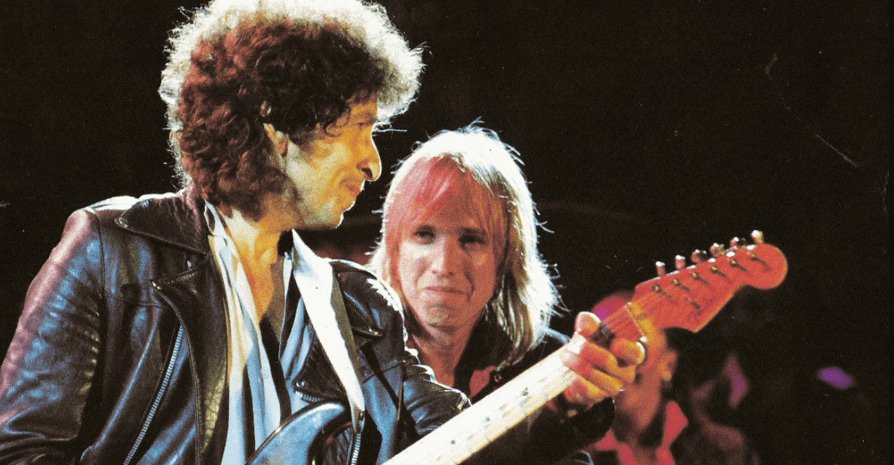 "Watch Bob Dylan singing ""Learning To Fly"" as tribute to Tom Petty (2) (1)"