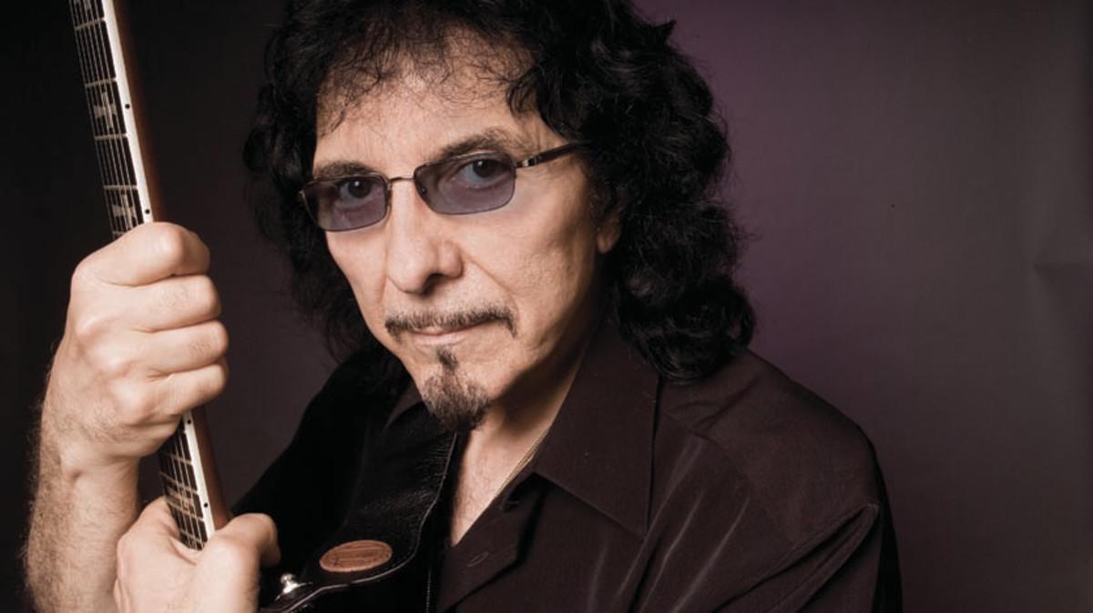 Hear Tony Iommi's isolated guitar track on War Pigs