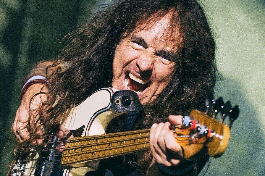 Steve Harris and the bass