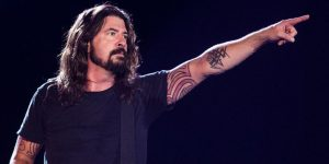 Dave Grohl pointing