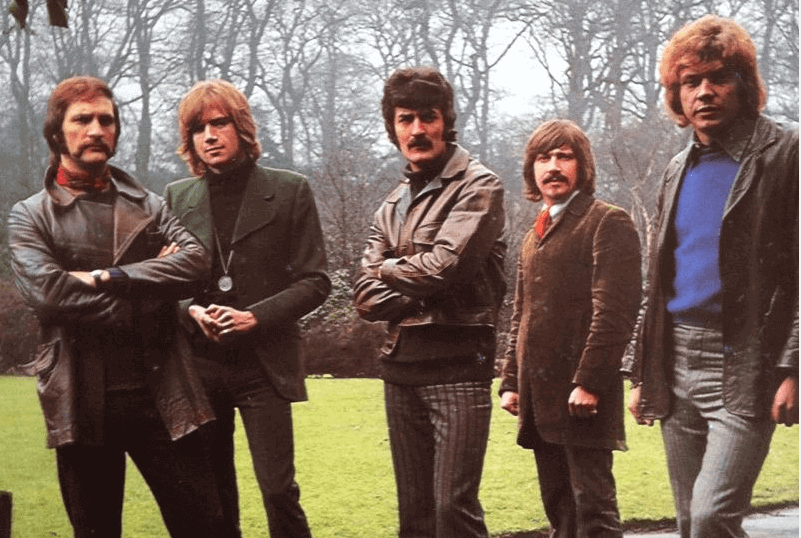 Moody Blues singer Ray Thomas dies suddenly at 76