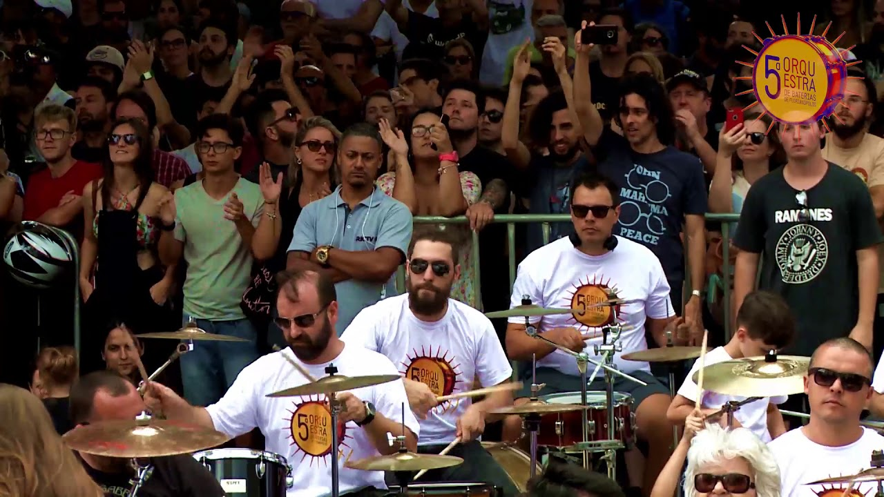 See 350 drummers playing Sabbath's Heaven And Hell at the same time