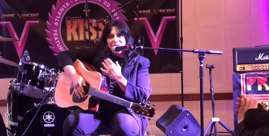 Watch Vinnie Vincent's complete performance on Kiss Expo 2018