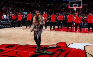 Zakk Wylde plays the American national anthem at basketball game (1)