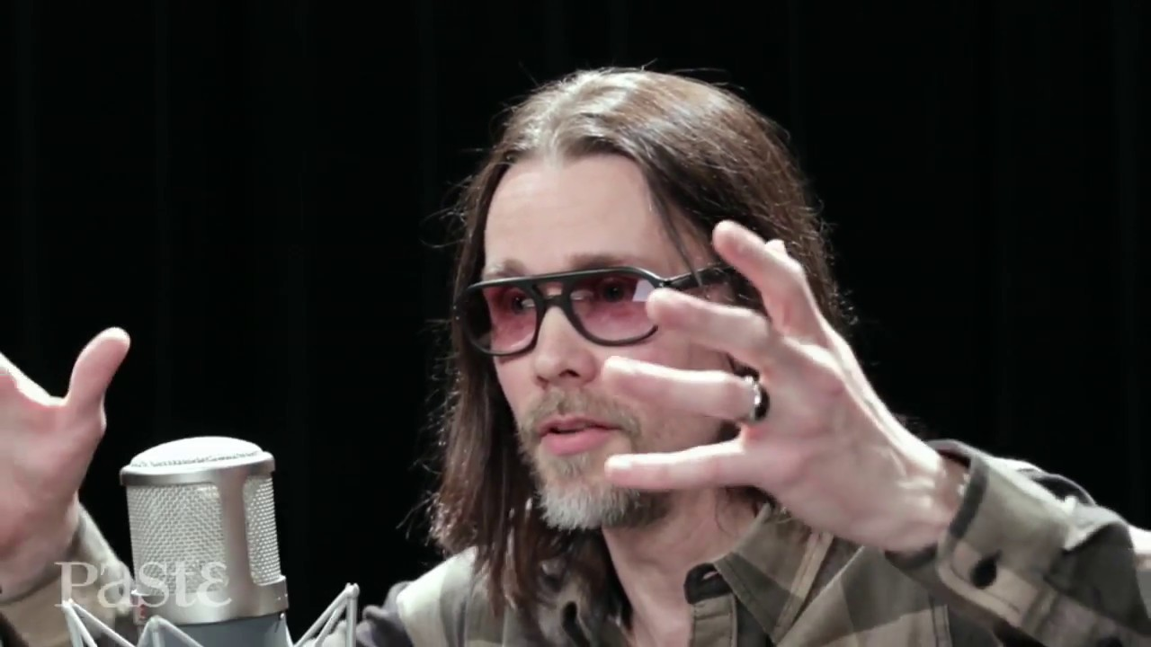 """Myles Kennedy presents awesome cover of """"Travelling Riverside Blues"""""""
