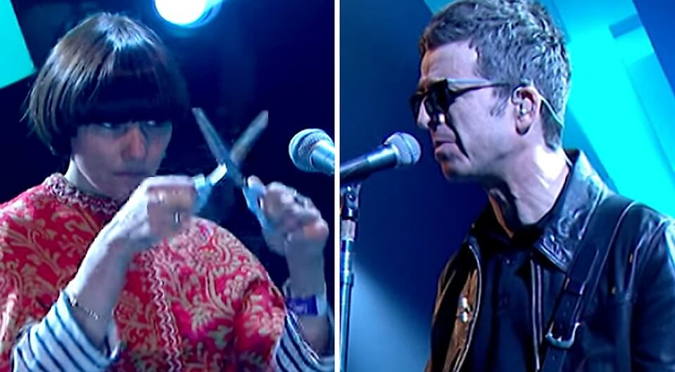 "Noel Gallagher brings again his ""scissor-musician"" in a new presentation on TV"