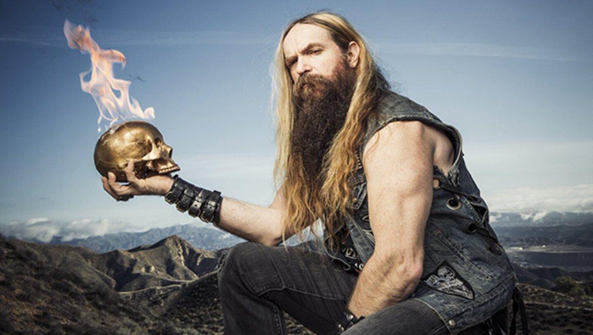 Zakk Wylde skull on fire