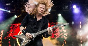 Dave Mustaine playing guitar