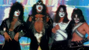 Kiss classic formation