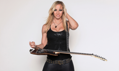 Nita Strauss boobs