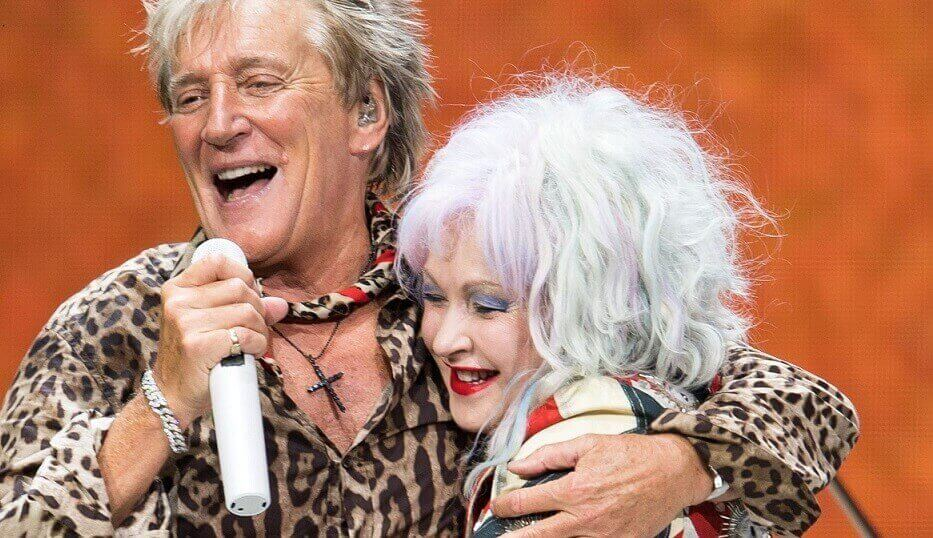 Rod Stewart and Cindy Lauper