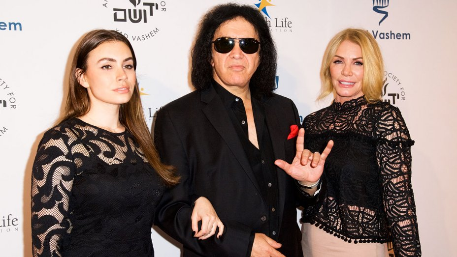 Gene Simmons wife and daughter