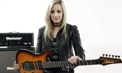 Nita Strauss guitar