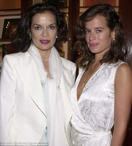 Bianca Pérez-Mora Macias and Jade