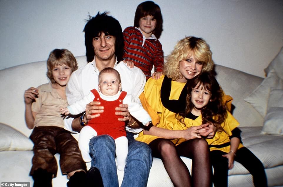 Ronnie Wood and kids 80s