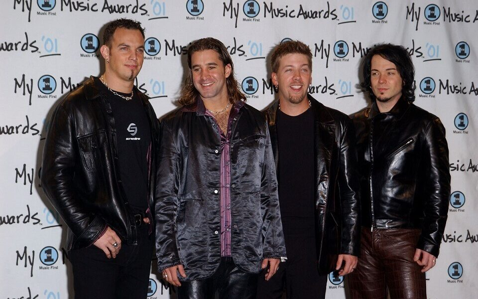 scott stapp is being sued for 4 million by former bandmates. Black Bedroom Furniture Sets. Home Design Ideas