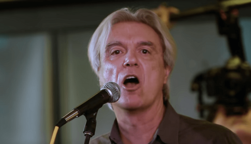 """Watch David Byrne performing Bowie's """"Heroes"""" with choir"""