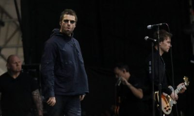 Liam Gallgher leaves the stage on Lollapalooza