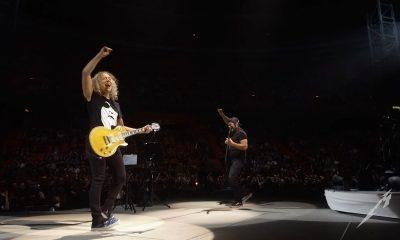 Robert Trujillo and Kirk Hammett playing AbbaRobert Trujillo and Kirk Hammett playing Abba