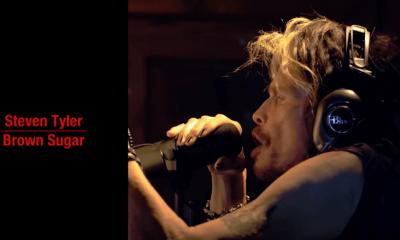 Steven Tyler sings Rolling Stones
