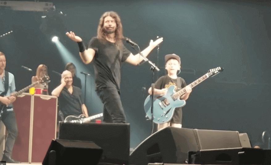 Foo Fighters Metallica 7 year old fan