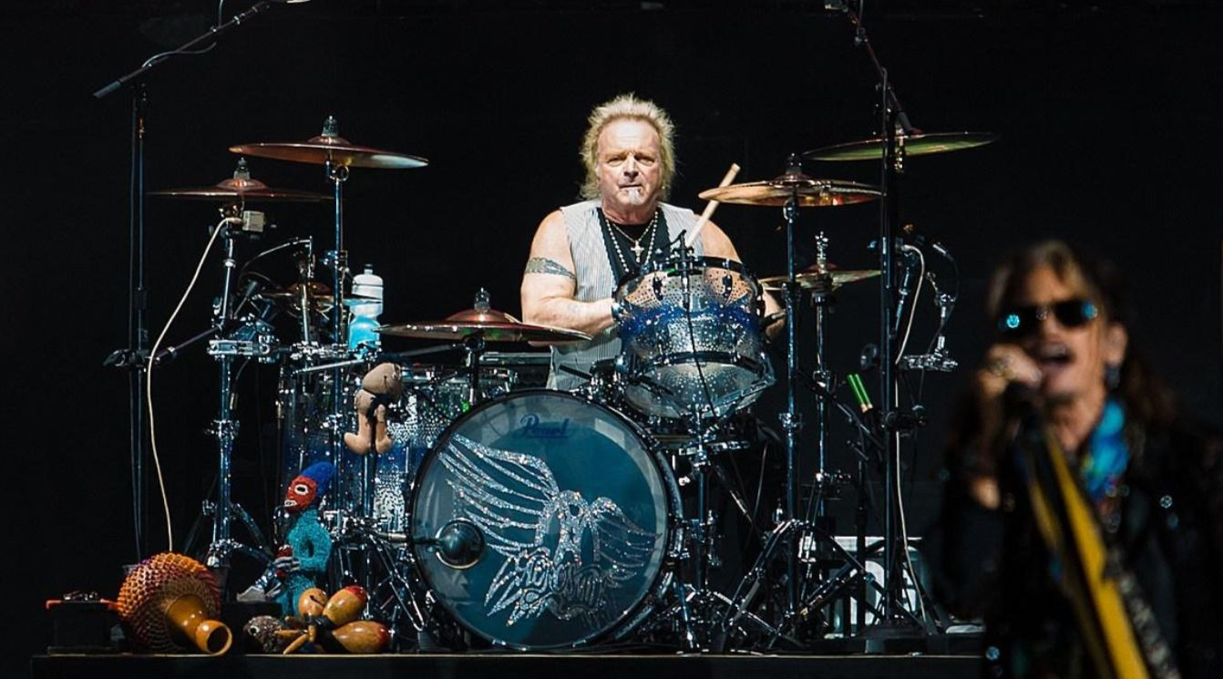 Joey Kramer drums